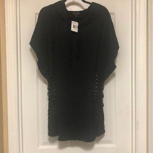 New.... Black 2x short sleeve top!